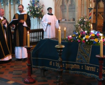 web3-burial-funeral-priest-fr-lawrence-lew-o-p-cc-by-nc-2-0
